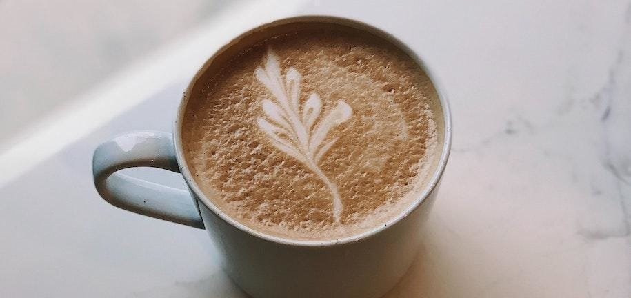 """Gesundes"" Ahorn Pekannuss Latte Rezept"